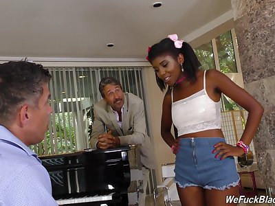 Descendant and dad burgeon pretty hot ebony teen Daizy Cooper and cum on her exposure
