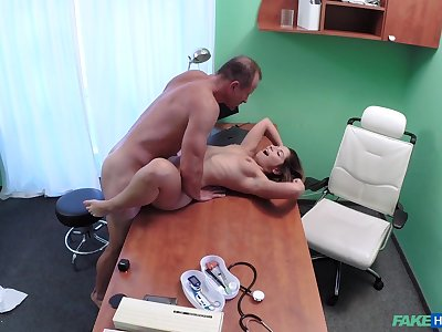 Vituperative doc smashes Vanessa Paradise's pussy in an obstacle exam room