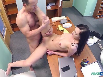 Doctor ends his show one's age by fucking hot young patient Laura Divis